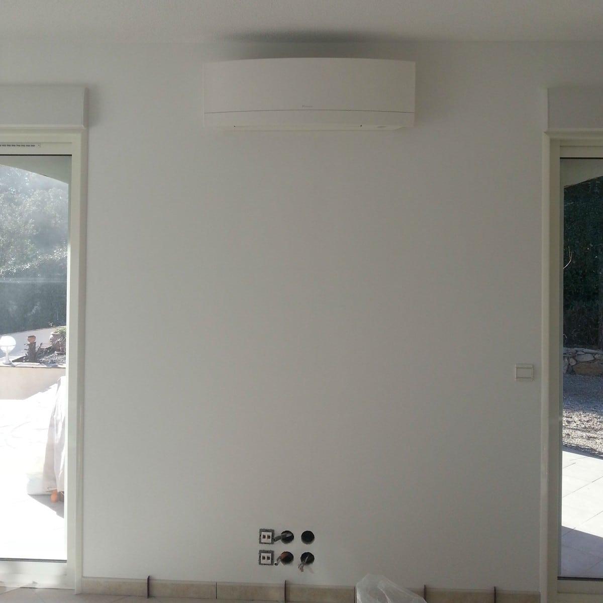 installation d 39 une climatisation r versible dans une villa varoise climatisation dans le var. Black Bedroom Furniture Sets. Home Design Ideas